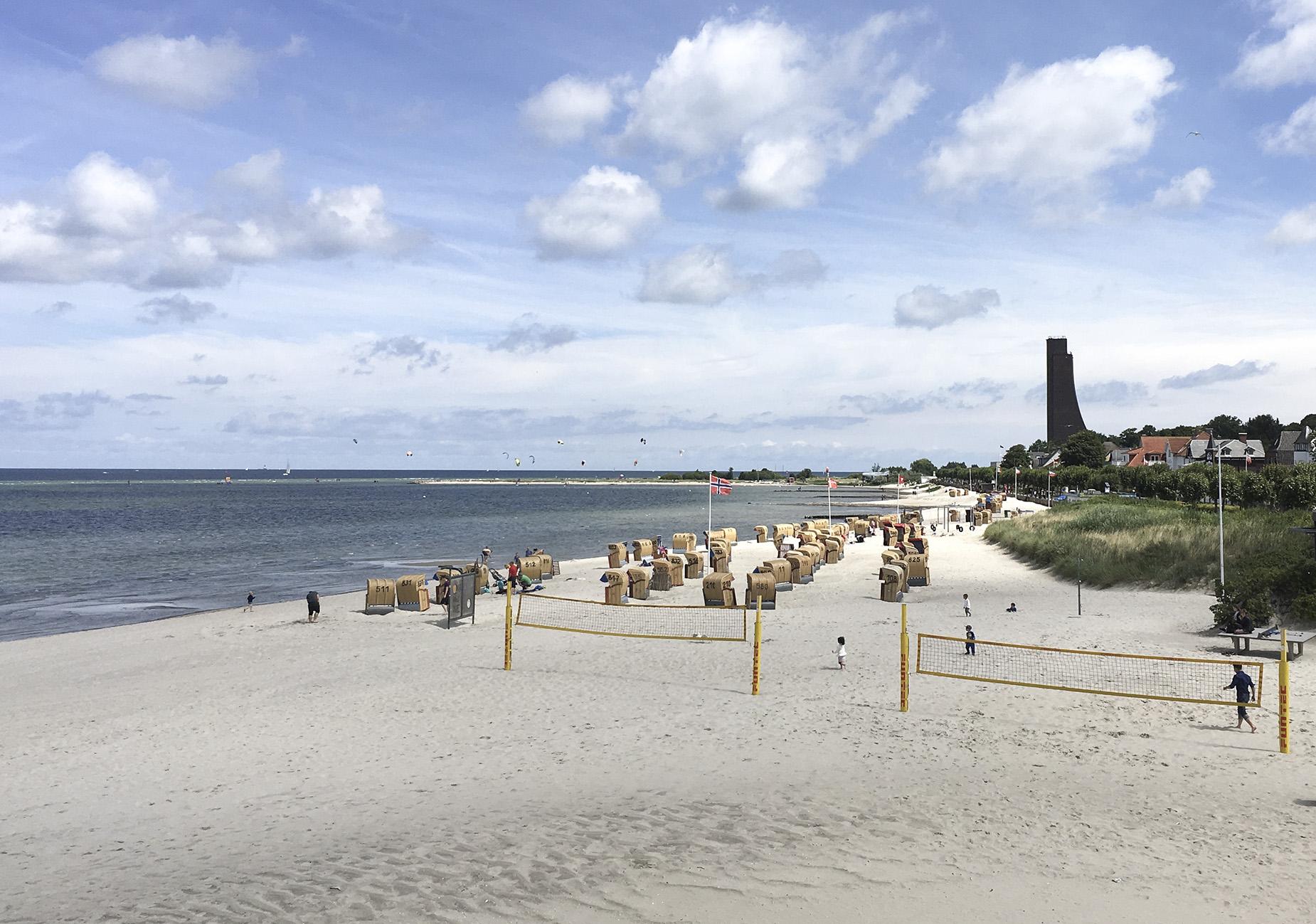 Strandbesuch: 7 Dinge, die du in Laboe machen solltest