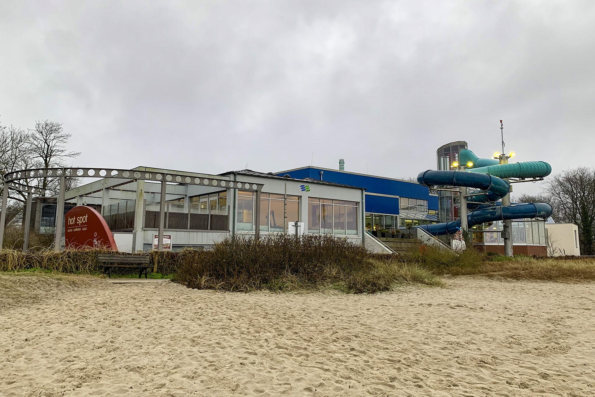 Meerwasser-Hallenbad: Auch im Winter in Ostseewasser baden